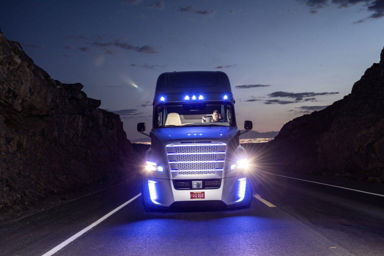 camion autonome, se conduit seul