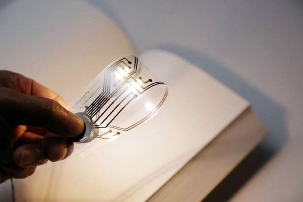 Un marque page léger et flexible qui fais de la lumière